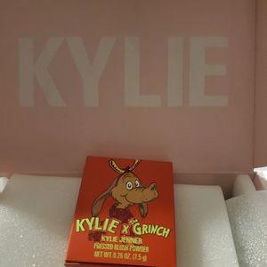 Kylie grinch blush
